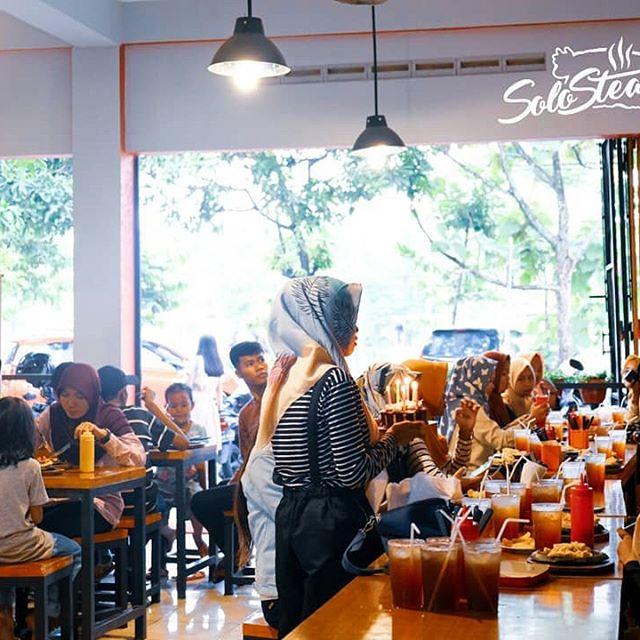 Reservasi Tempat Untuk Ulang Tahun di Solo Steak